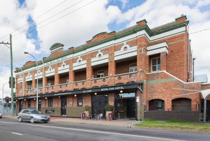 Royal Oak Hotel, 221 Vincent Street Cessnock NSW 2325 - Image 1