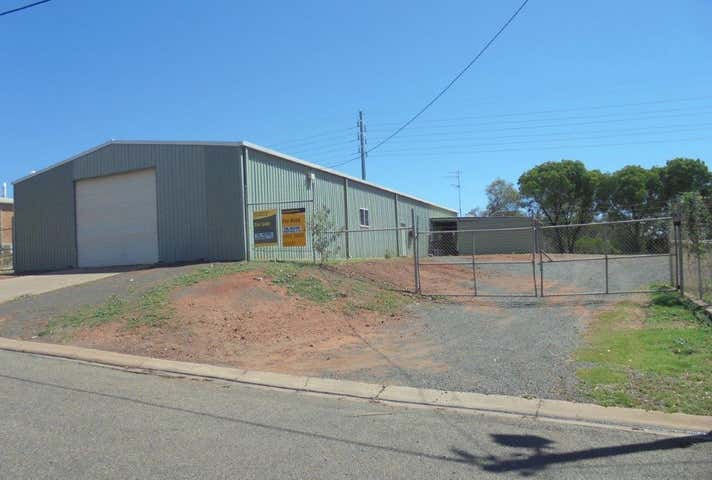 6 Colliery Street Moranbah QLD 4744 - Image 1