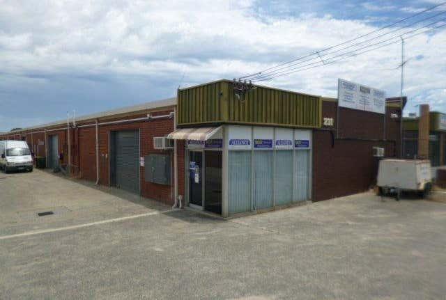 1/231 Bank Street Welshpool WA 6106 - Image 1