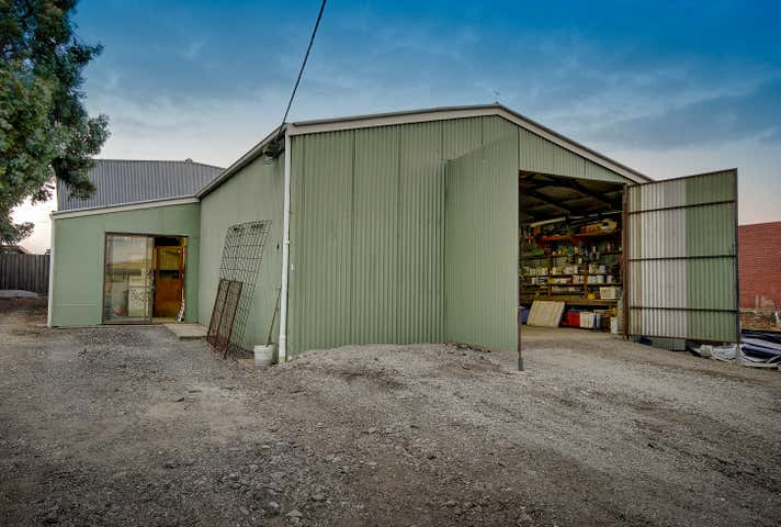 17 Crows Road Belmont VIC 3216 - Image 1
