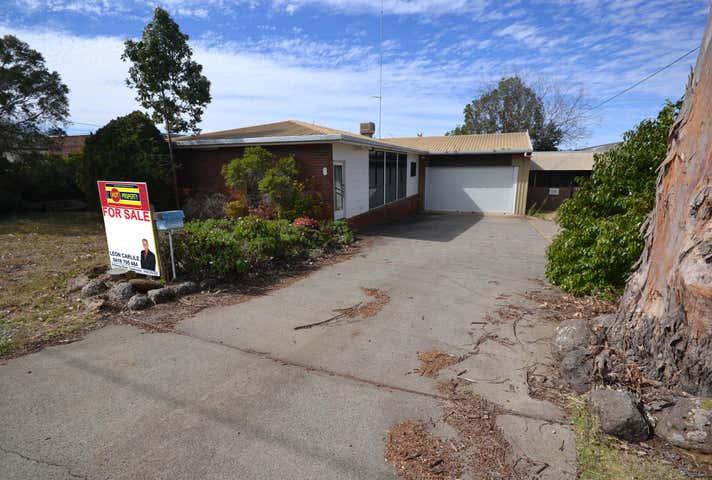 6 Stradbroke Street Rockville QLD 4350 - Image 1