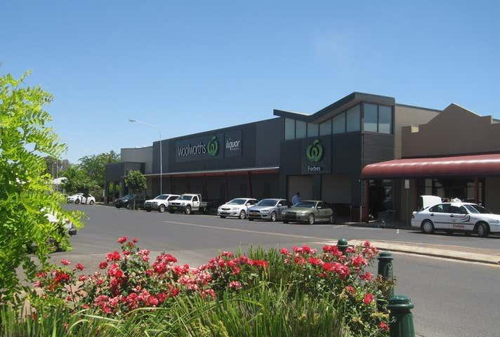 Woolworths Supermarket, 141-153 Rankin Street Forbes NSW 2871 - Image 1