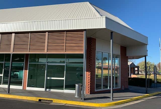 8/330 Urana Road Lavington NSW 2641 - Image 1