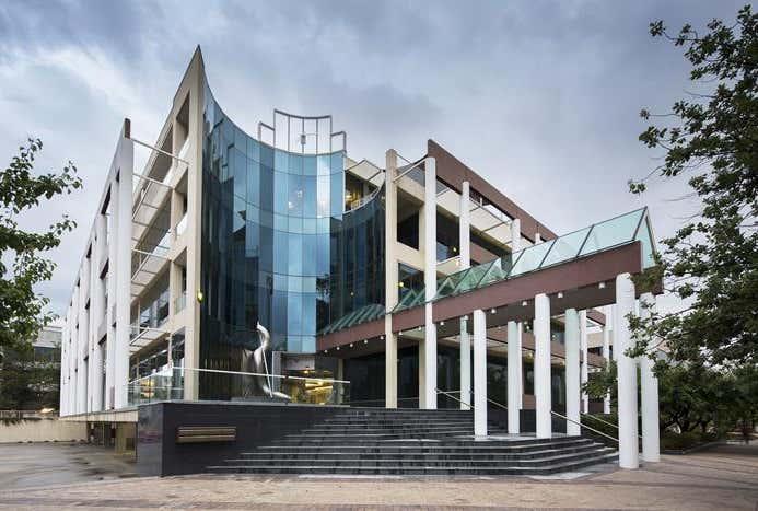 AMA House, 42 Macquarie Street Barton ACT 2600 - Image 1
