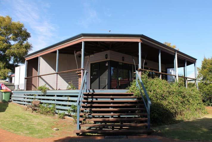 Shop 2, 10476 New England Highway Highfields QLD 4352 - Image 1