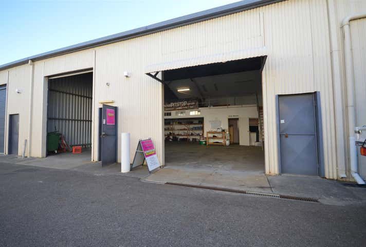 (Units 4&5)/56 Medcalf Street Warners Bay NSW 2282 - Image 1