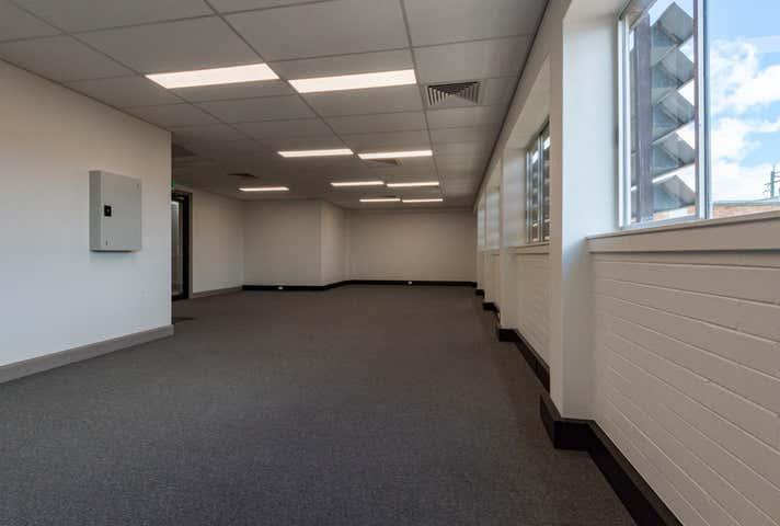 Rent solar panels at 4/6 Barolin Street Bundaberg Central, QLD 4670