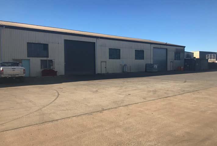 3/8 Carrington Road Torrington QLD 4350 - Image 1