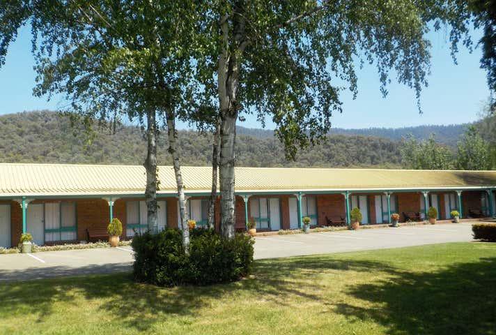 Snowgum Motel, 245-247 Kiewa Valley Highway Mount Beauty VIC 3699 - Image 1
