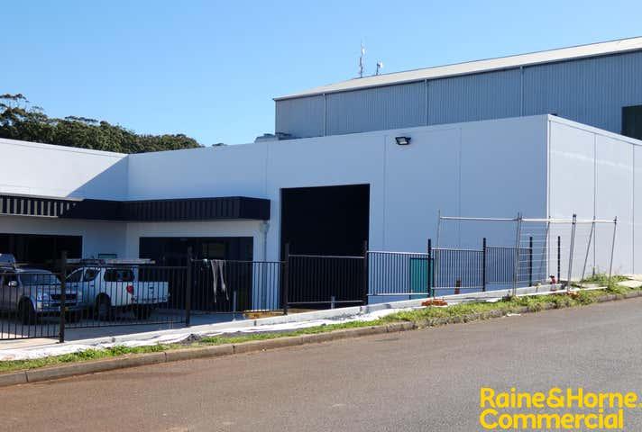 Unit 3, 211 Lake Road Port Macquarie NSW 2444 - Image 1