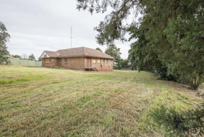 61 Ruthven Street Harlaxton QLD 4350 - Image 1