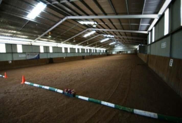 Sunninghill Equestrian Centre, 3010 Riley Road Stoneville WA 6081 - Image 1