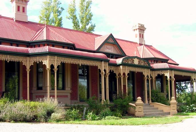 CAMBOURNE HOUSE, 2 High Street Wodonga VIC 3690 - Image 1