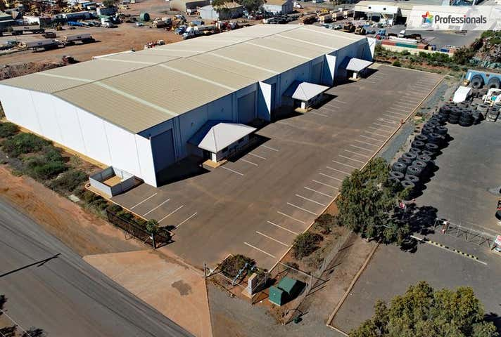 Units 1-6 / 69 Craig Road, West Kalgoorlie WA 6430 - Image 1