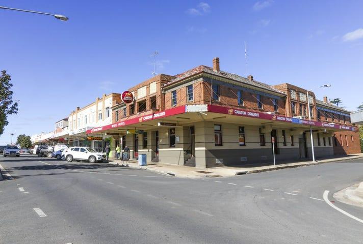 Wade Hotel , 42  Pine Avenue, Leeton, NSW 2705
