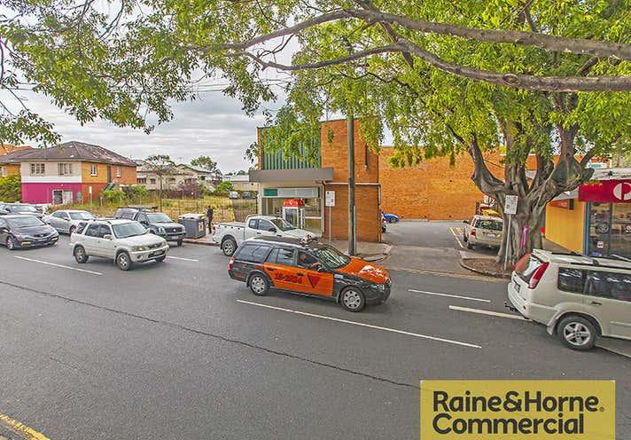 15 Racecourse Road Hamilton QLD 4007 - Image 2