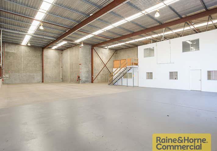 2/124 Beatty Road Archerfield QLD 4108 - Image 2