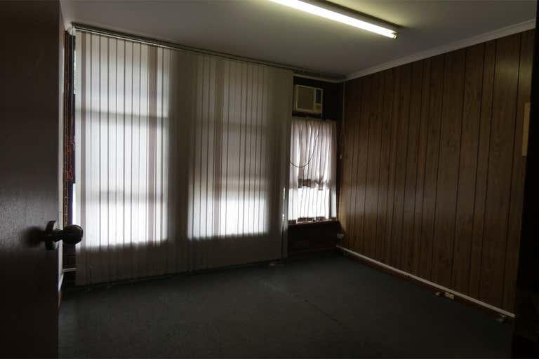 24 Surrey Road Keswick SA 5035 - Image 4