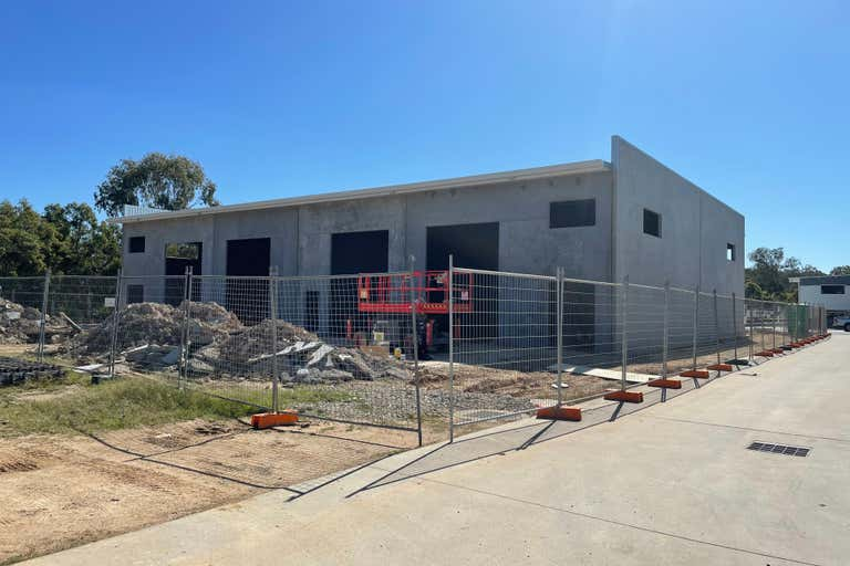 3 & 4, 50 Jardine Drive Redland Bay QLD 4165 - Image 2