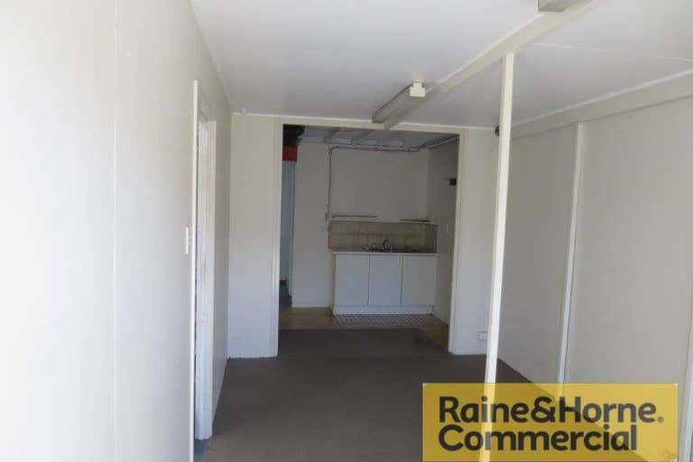 Unit 4, 253 South Street Cleveland QLD 4163 - Image 2