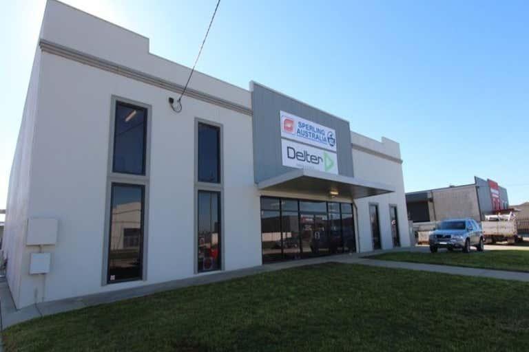 8 Riedell Street Wagga Wagga NSW 2650 - Image 1
