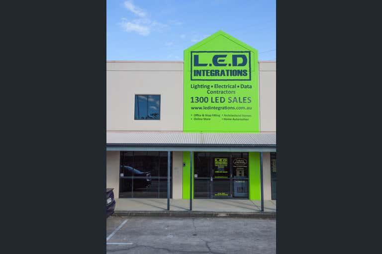 8/229 Junction Road Morningside QLD 4170 - Image 2