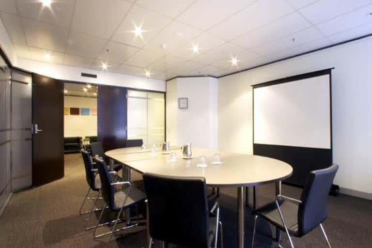 8/215 Adelaide Street Brisbane City QLD 4000 - Image 3