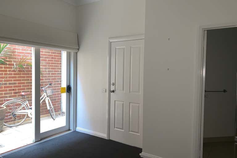 2a/242 Ryrie Street Geelong VIC 3220 - Image 4