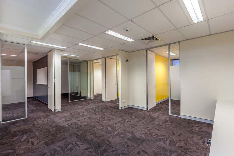 Lvl 2, 2A, 580 Ruthven Street Toowoomba City QLD 4350 - Image 3