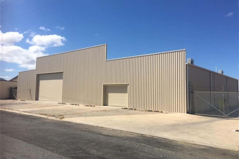 57 Park Street Park Avenue QLD 4701 - Image 2