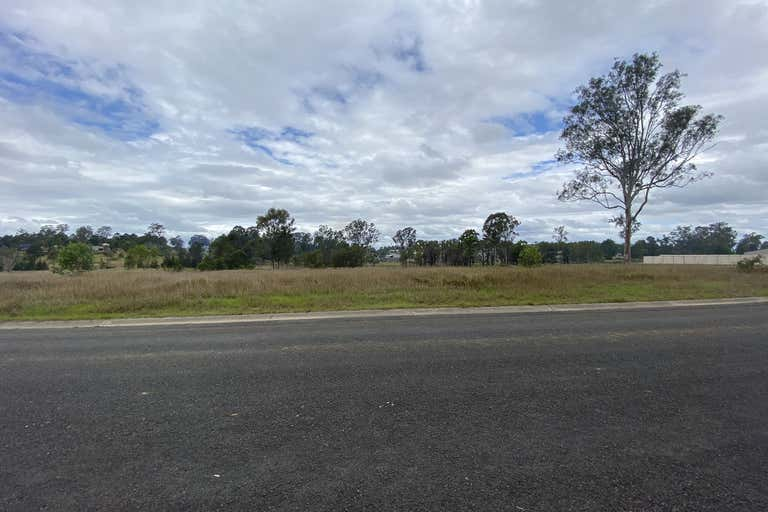 11/24 Adonus Close Trenayr NSW 2460 - Image 1