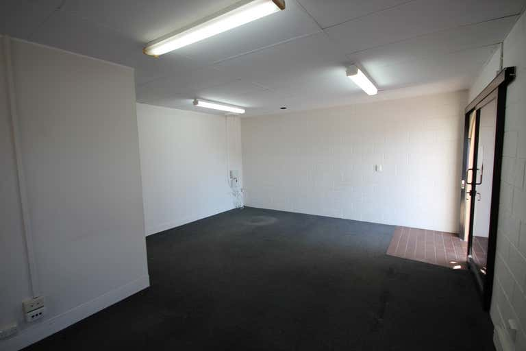 4/257 Charters Towers Road Mysterton QLD 4812 - Image 3
