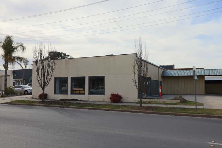 2/433 Wagga Road Lavington NSW 2641 - Image 1