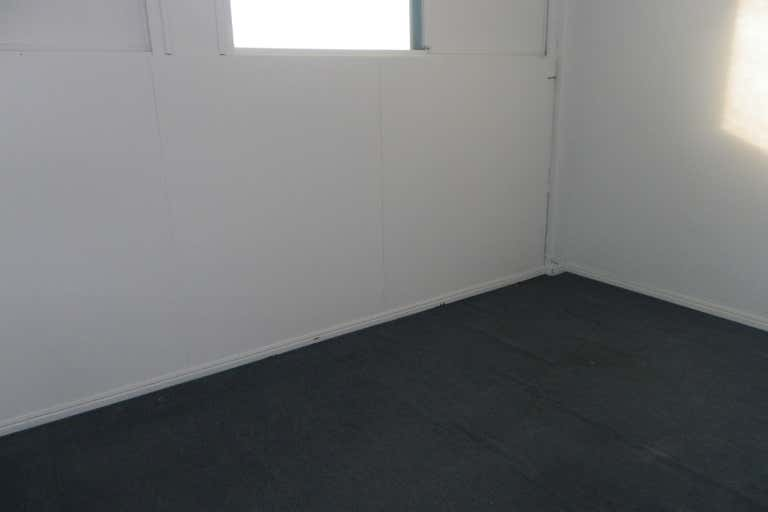 2A/13 King Street Caboolture QLD 4510 - Image 4