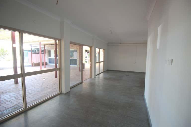 Shop 5 & 7, 33 Zunker Street Burnett Heads QLD 4670 - Image 4