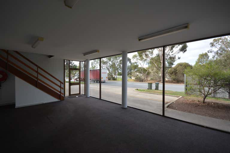 Unit 2, 15 Dunstan Road Wingfield SA 5013 - Image 2