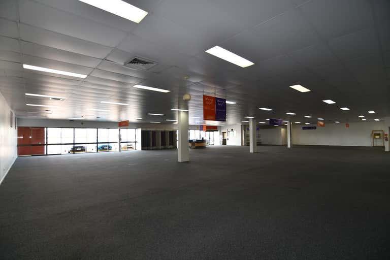 Tenancy 6,238 Woolcock Street Currajong QLD 4812 - Image 4