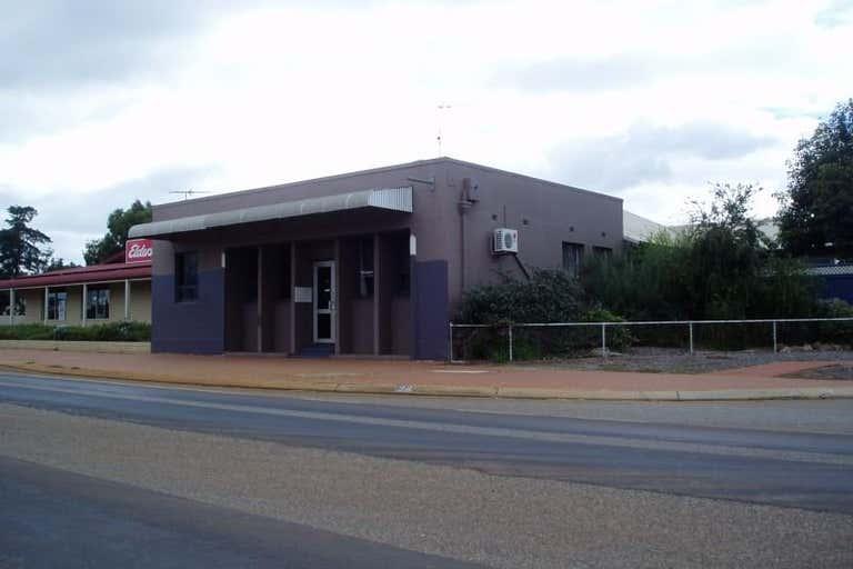 34 Albany Highway Williams WA 6391 - Image 2