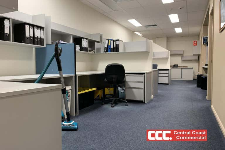 2/3A Racecourse Rd West Gosford NSW 2250 - Image 2