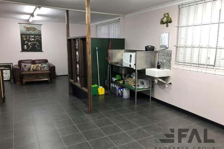 Suite  J, 399 Honour Avenue Graceville QLD 4075 - Image 4
