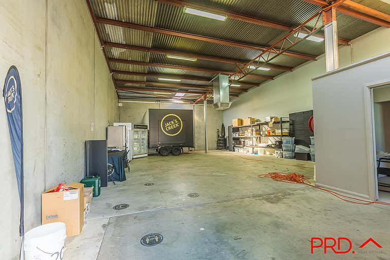 5a/84-92 Barnes Street Tamworth NSW 2340 - Image 2