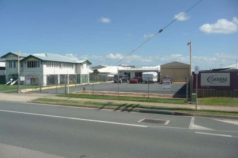 3 Peak Downs Highway Racecourse QLD 4740 - Image 3