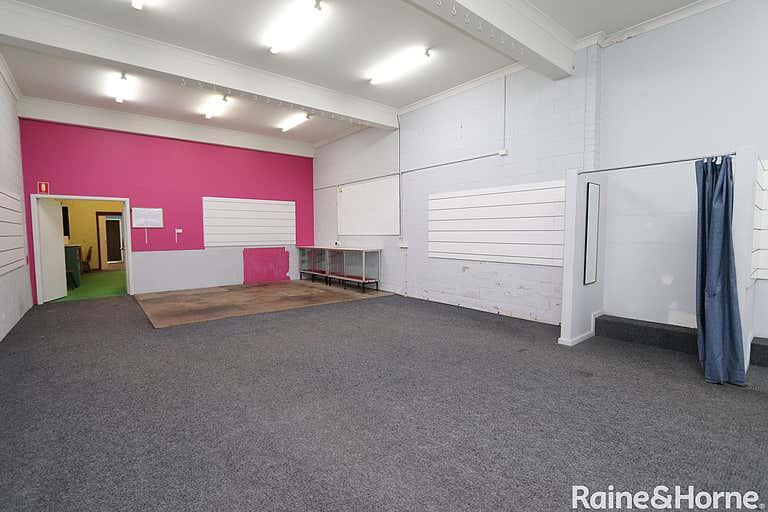 221 Russell Street Bathurst NSW 2795 - Image 4