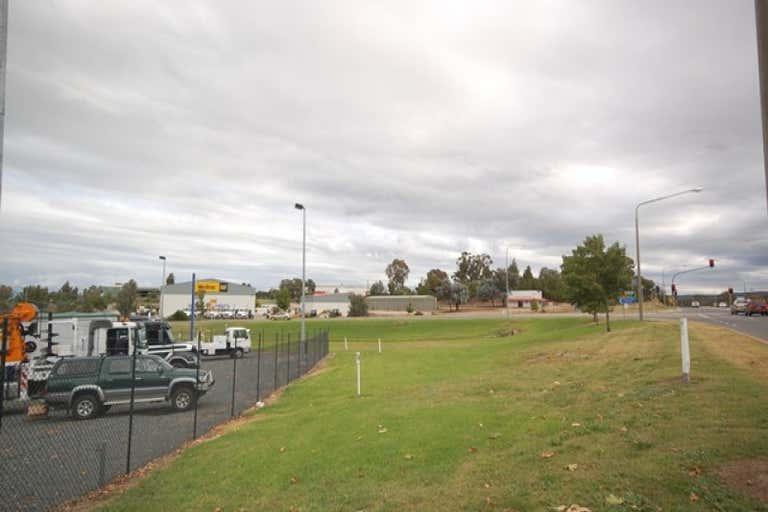 16 Reiff Street Lavington NSW 2641 - Image 2