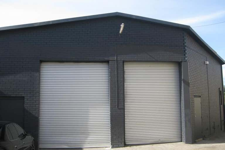 Unit 10, 45-51 Scoresby Rd Bayswater VIC 3153 - Image 1
