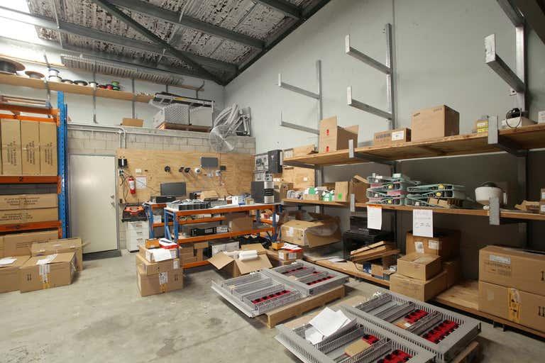 2a/65 Riverside Place Morningside QLD 4170 - Image 3