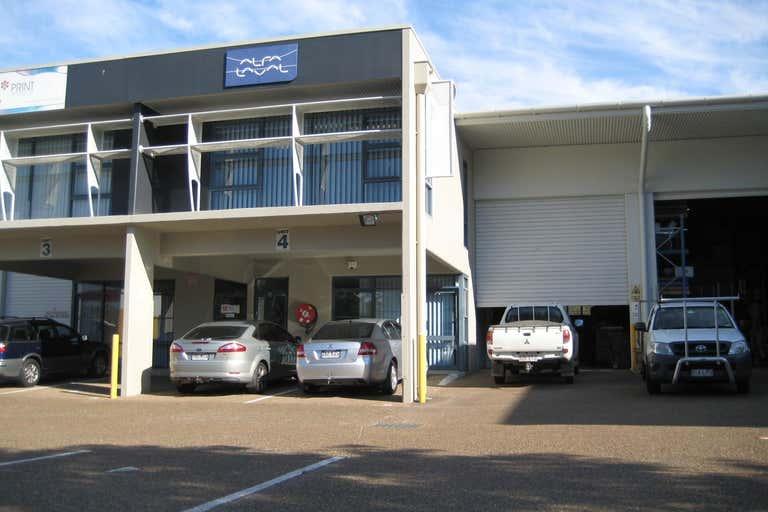 4b/12 Bimbil Street Albion QLD 4010 - Image 3