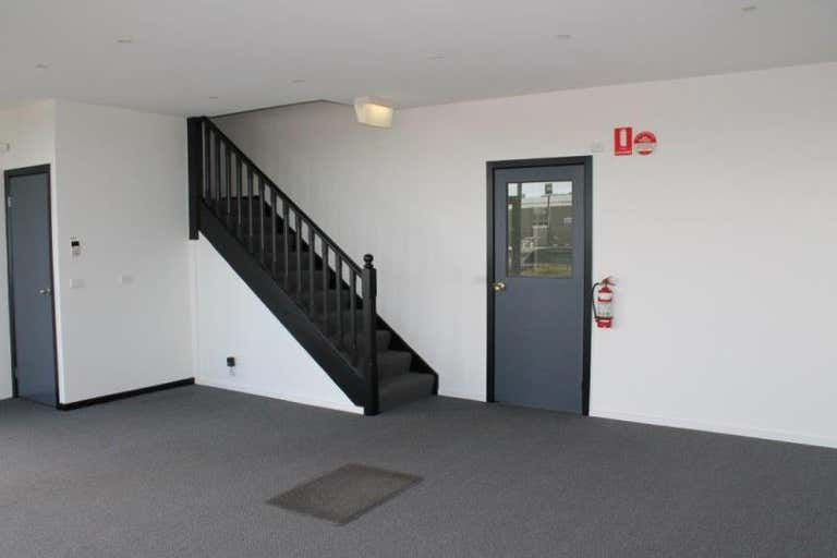 Unit 4, 96-98 Hallam South Road Hallam VIC 3803 - Image 3