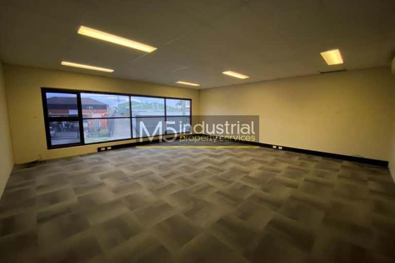 27/3 Kelso Crescent Moorebank NSW 2170 - Image 4