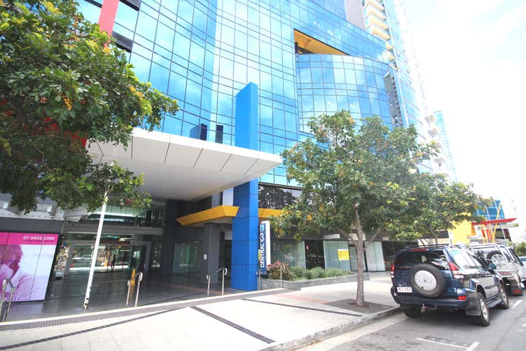 3002/27 Garden Street Southport QLD 4215 - Image 3